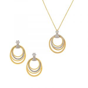 Circular Diamond Pendant Set