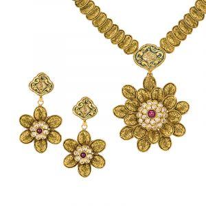 Floraz Antique Gold Necklace