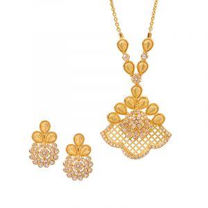 22k Diamond Blossom Diamond Pendant Necklace