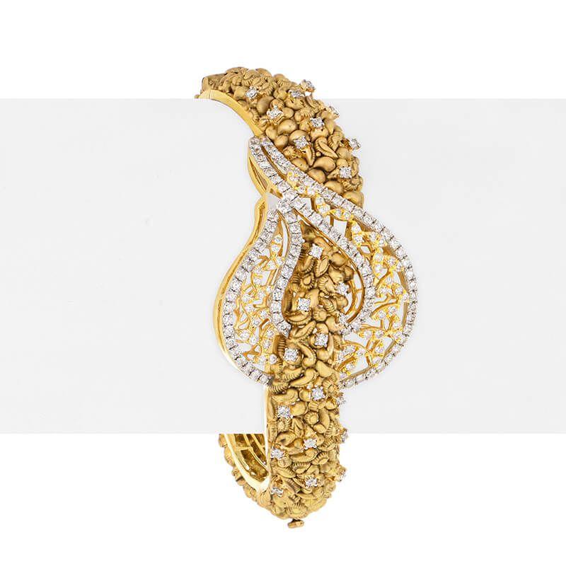 18k Diamond Diamond Paisley Bangle Bracelet