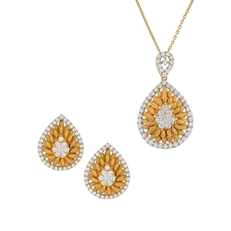 18k Diamond Antique Diamond Pendant Necklace