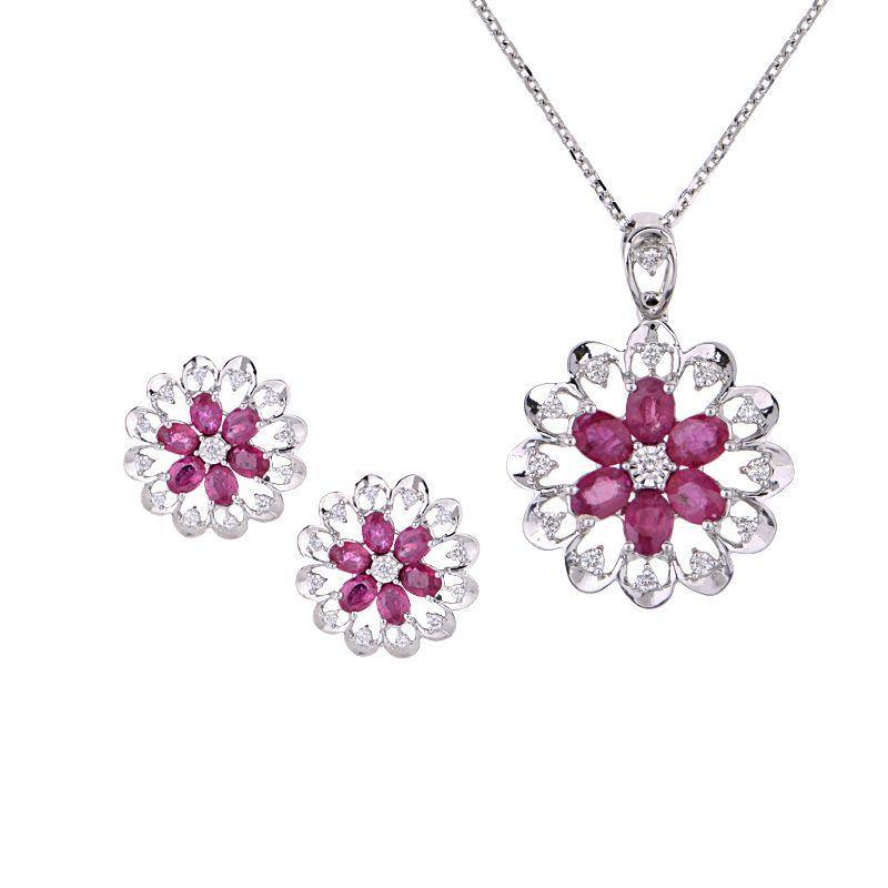 18k Diamond Ruby Diamond Pendant Set