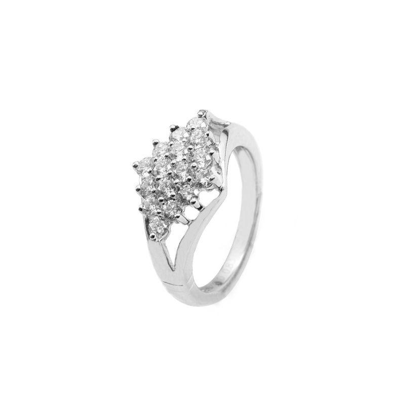 18k Diamond Cluster Diamond Ring