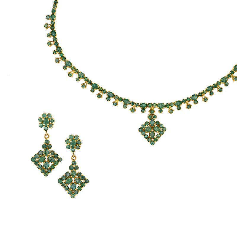 22k Gold Intricate Emerald Designer Necklace