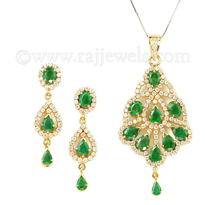 18k Diamond Green Glow Pendant Set