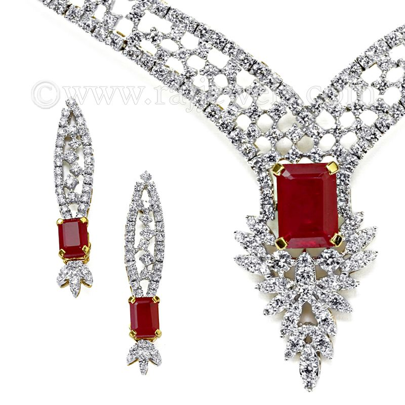 18k Diamond Intricate Design Necklace