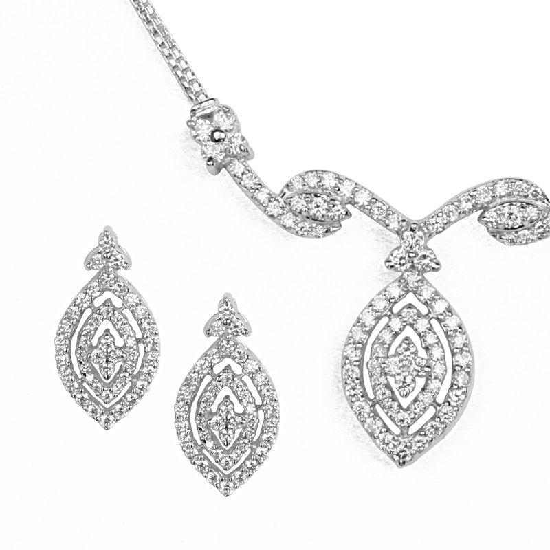 18k Diamond Diamond Leaves Necklace Set