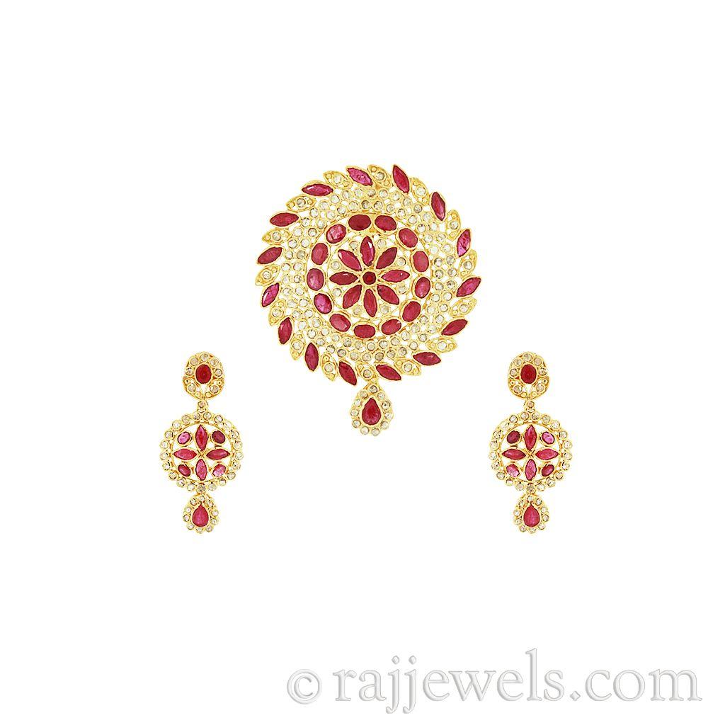 18k Diamond 22K Uncut Diamond Pendant And Earrings Set