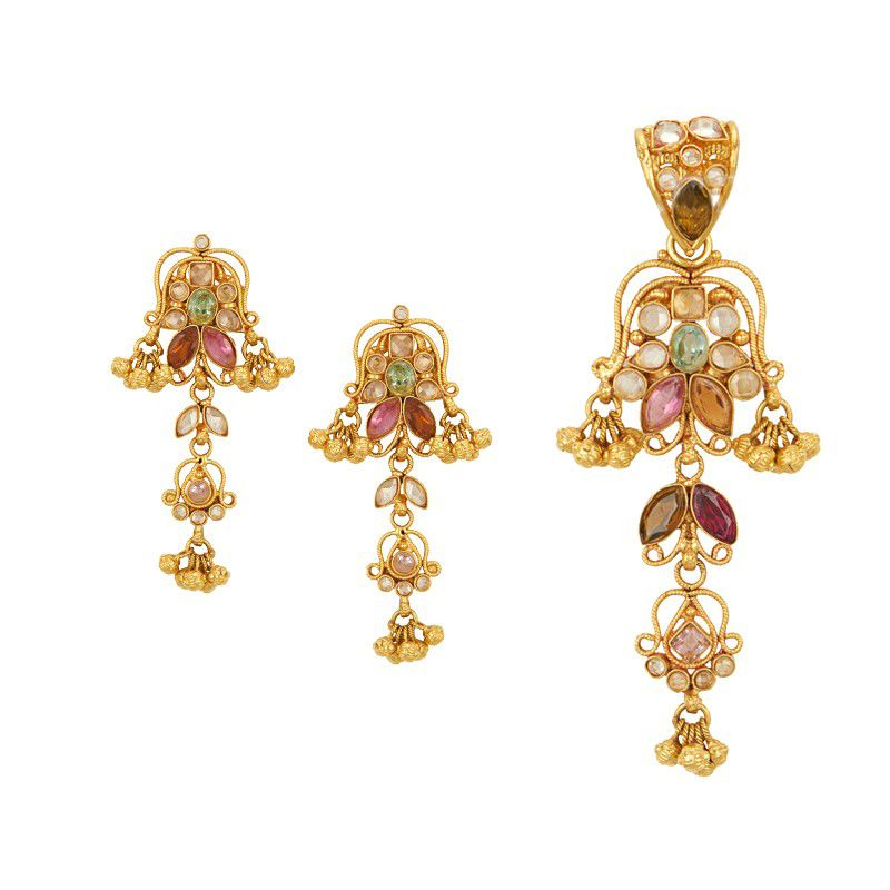 22k Gold Dangling Antique Pendant Necklace