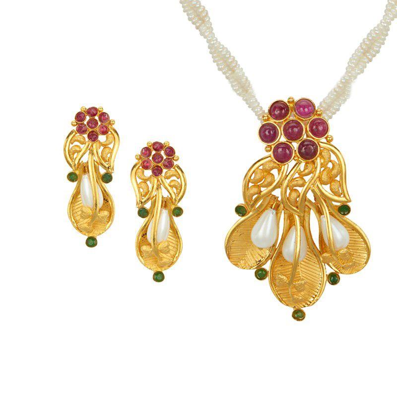 22k Gold Artistic Gold Pendant Necklace