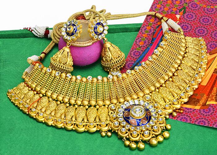 22k gold Indian bridal antique gold necklace set