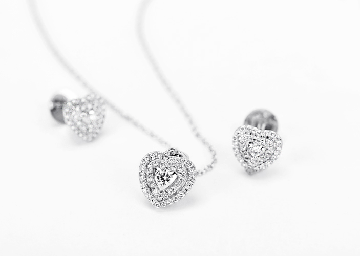 heart diamond pendant set