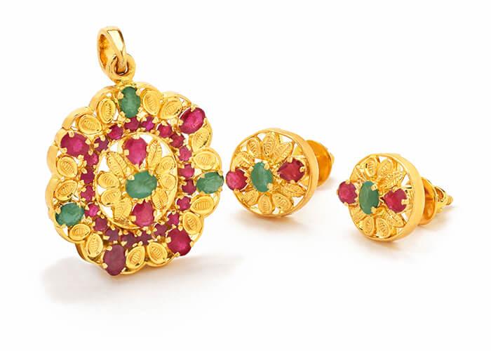 22k gold pendant set