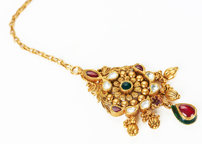 antique gold maan tikka jewelry