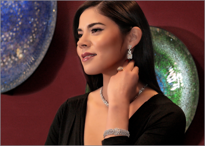 video blog on jewelry for women in their 30s