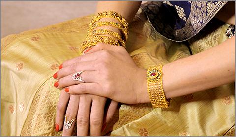 22k gold lakshmi bangles