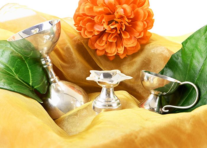 silver thali & diyas