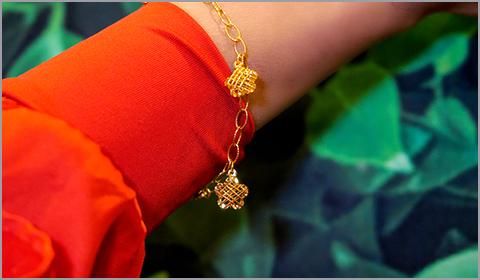 charm bracelet in 22k gold